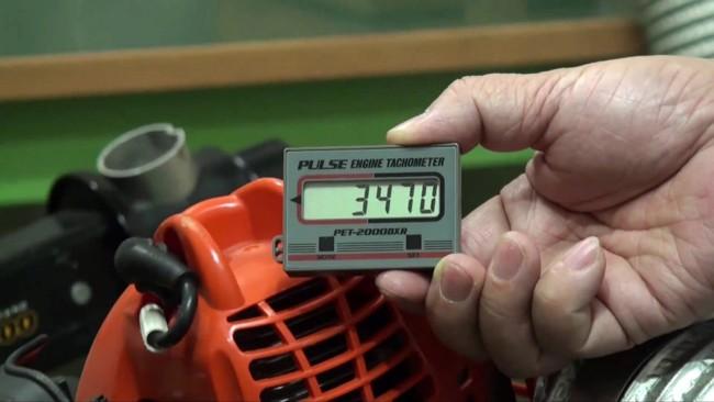 электронный тахометр для определения оборотов двигателя бензопилы